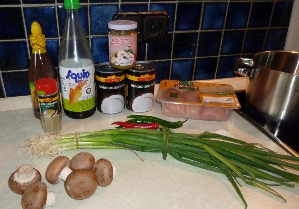 Tom Kha Gai (thailänd. Kokossuppe mit Huhn)