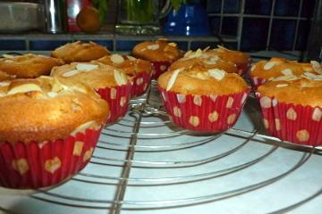 """Muffins mit Äpfeln und Marzipan """"Schwerdt am Herd!"""""""