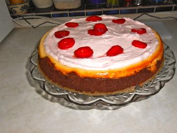 Himbeer-Frischkäse-Brownie-Torte